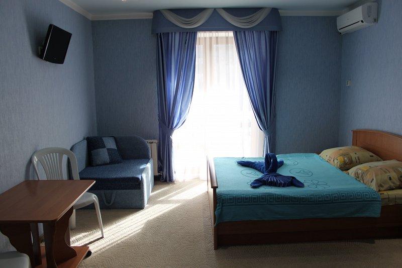 Міні-готель подобово, Ялта, вул. Київська, 34 (2)