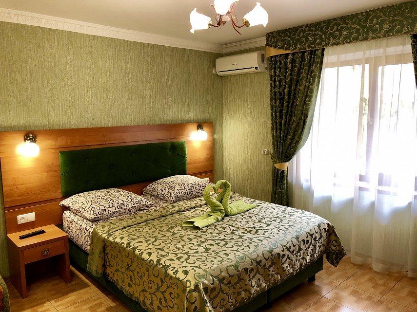 Міні-готель подобово, Ялта, вул. Київська, 34 (10)