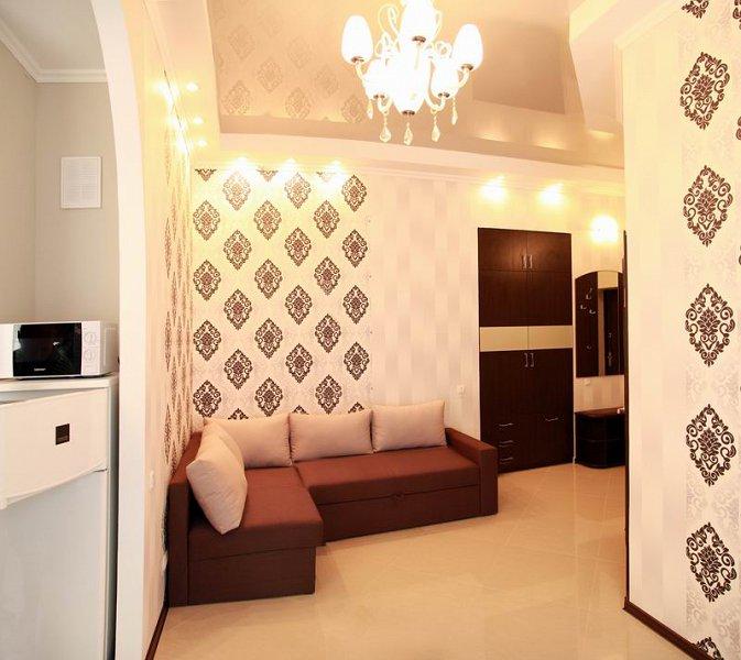 2-кімнатна квартира подобово, Миколаїв, вул. Набережна, 1