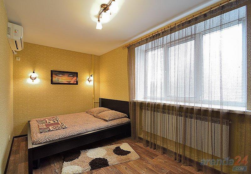 2-комнатная квартира посуточно, Днепр, просп. Яворницкого, 8 (4)