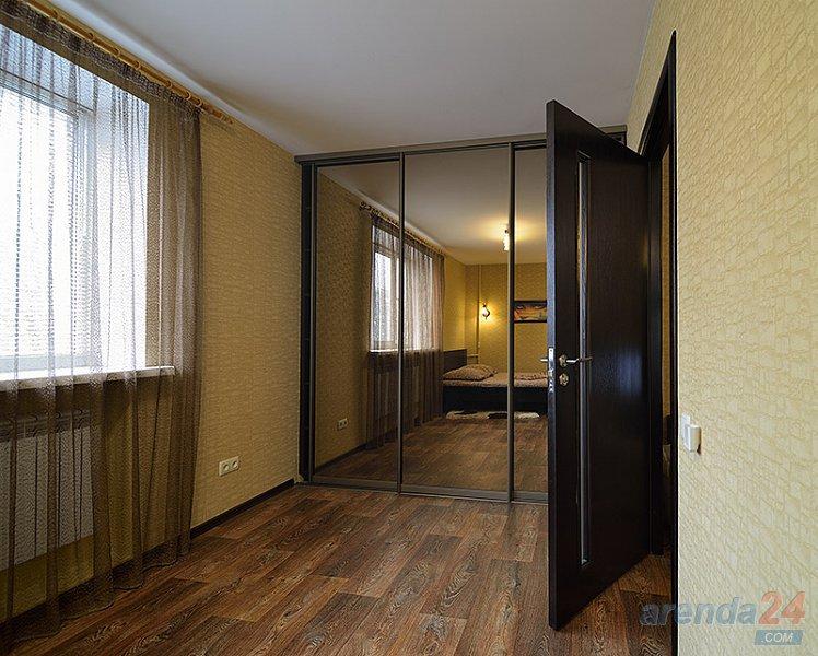 2-комнатная квартира посуточно, Днепр, просп. Яворницкого, 8 (5)