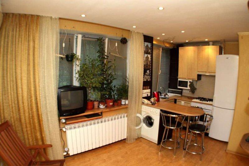 """Уютная и красивая, небольшая 1комн квартира-студия, метро """"Святошин"""", недалеко от ВЦ """"Экспоплаза"""""""