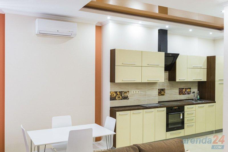 1-комнатная квартира посуточно, Киев, ул. Жилянская, 118 (4)