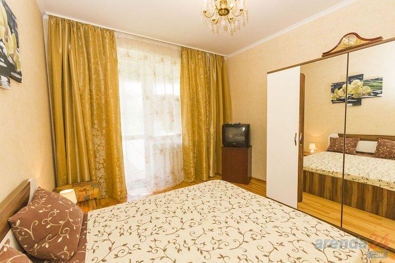 Посуточно, уютную и современную 2х-комнатную квартиру, Лукьяновка, Центр