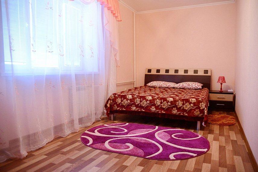 2-комнатная квартира посуточно, Каменец-Подольский, ул. Красноармейская, 1
