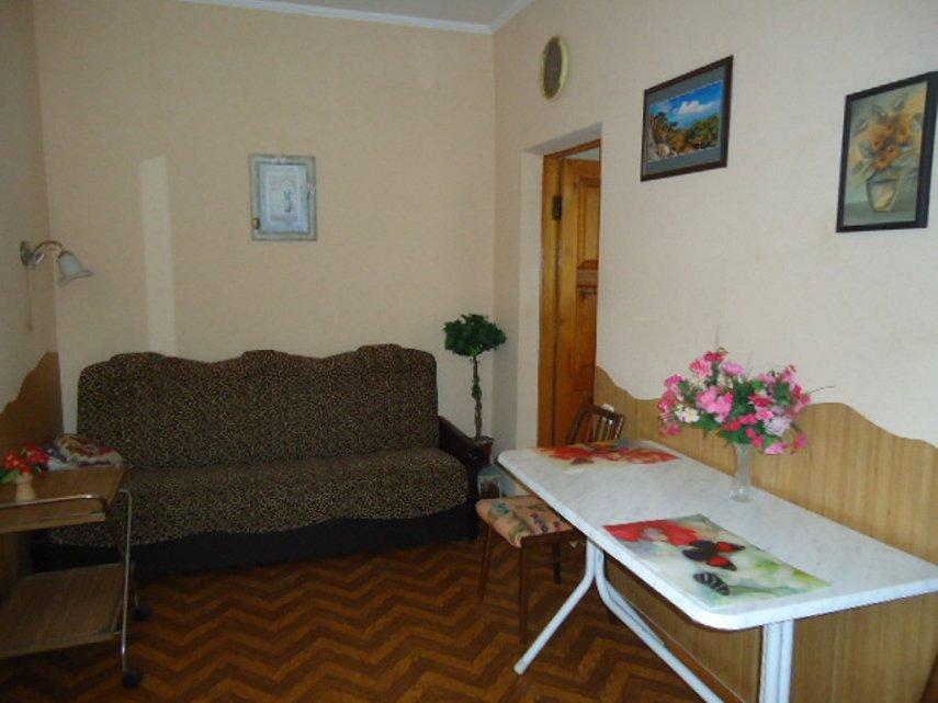 1-кімнатна квартира подобово, Ялта, вул. Чехова, 21 (1)