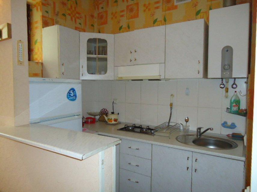 1-кімнатна квартира подобово, Ялта, вул. Чехова, 21 (4)