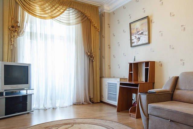 Просторная двухкомнатная квартира в самом центре ! Советская! (9)