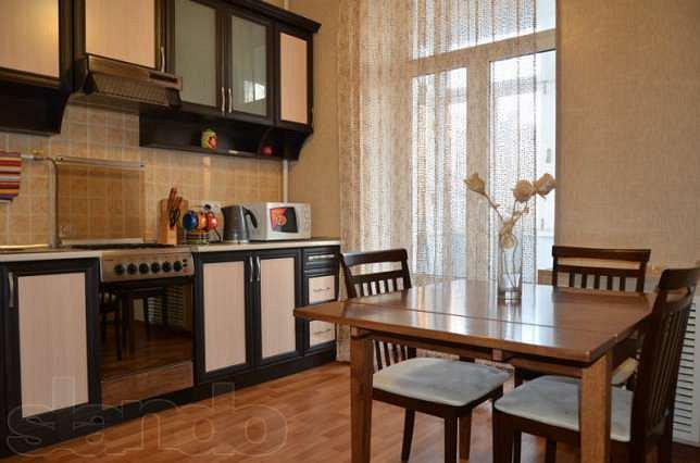 Просторная двухкомнатная квартира в самом центре ! Советская! (10)