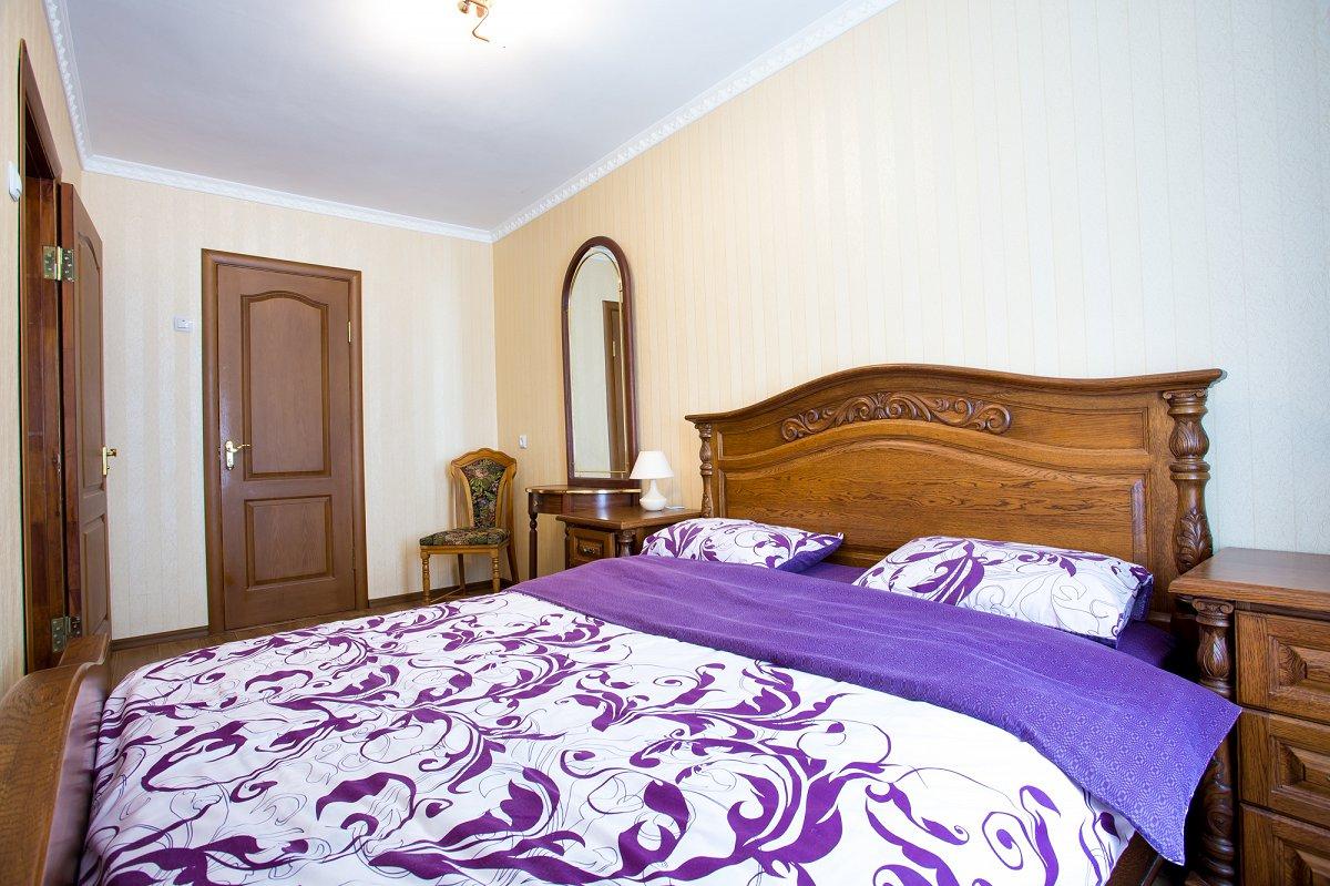 Двухкомнатная очень уютная квартира, в сердце города (2)