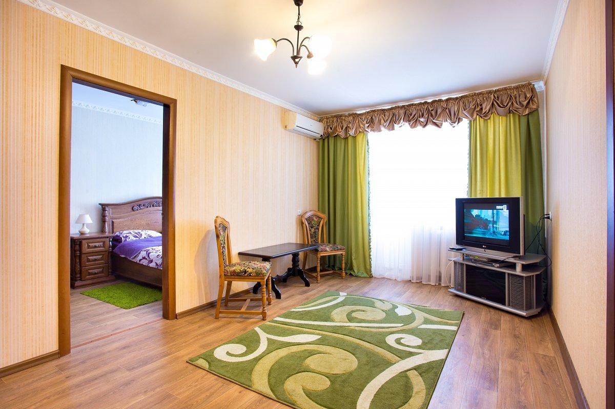 Двухкомнатная очень уютная квартира, в сердце города (3)