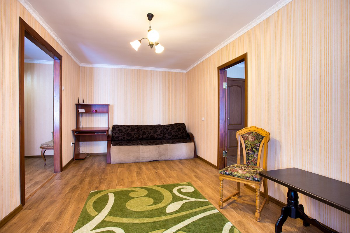 Двухкомнатная очень уютная квартира, в сердце города (6)