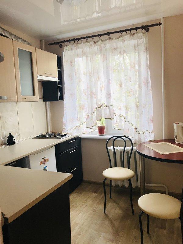 1-комнатная квартира посуточно, Николаев, ул. Южная, 51 (1)