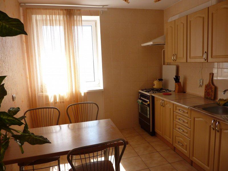 Сдаётся 2-х комнатная квартира в центре Евпатории