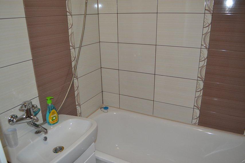 2-комнатная квартира посуточно, Каменец-Подольский, ул. Фабрициуса, 9 (10)