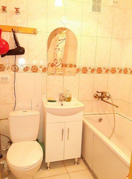 1-кімнатна квартира подобово, Чернівці, просп. Незалежності, 115 (7)