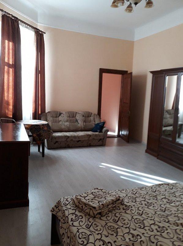 2-комнатная квартира посуточно, Львов, ул. Шолом алейхема, 7