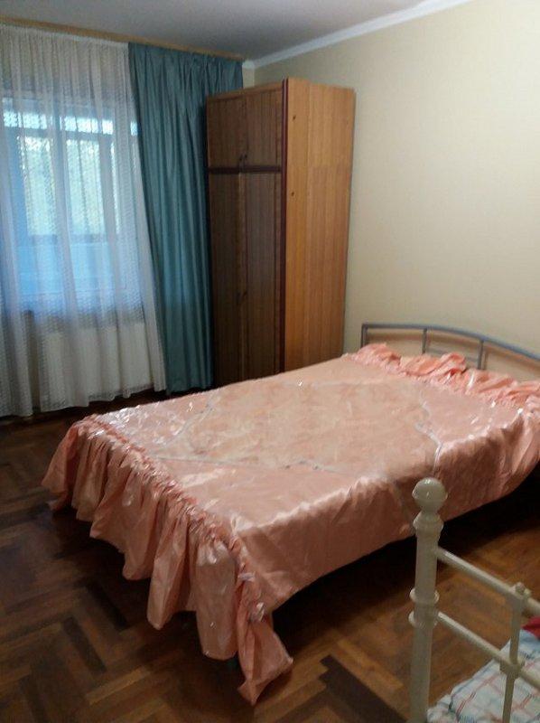2-комнатная квартира посуточно, Берегово, ул. Лоняи, 17 (1)