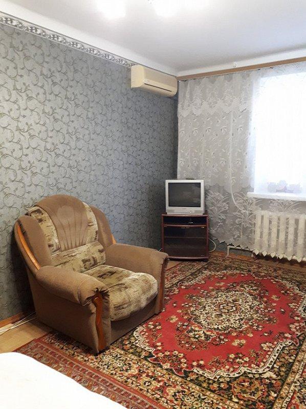 1-комнатная квартира посуточно, Херсон, ул. Университетская, 118 (1)