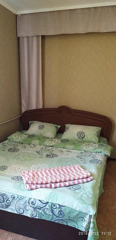 2-кімнатна квартира подобово, Херсон, вул. Ушакова, 87