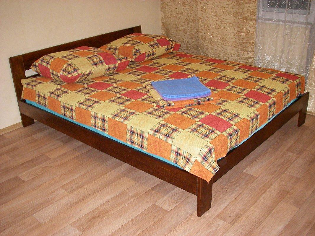 Сдам отдельную квартиру посуточно Киев, Бажана проспект, 4 спальных места (1)