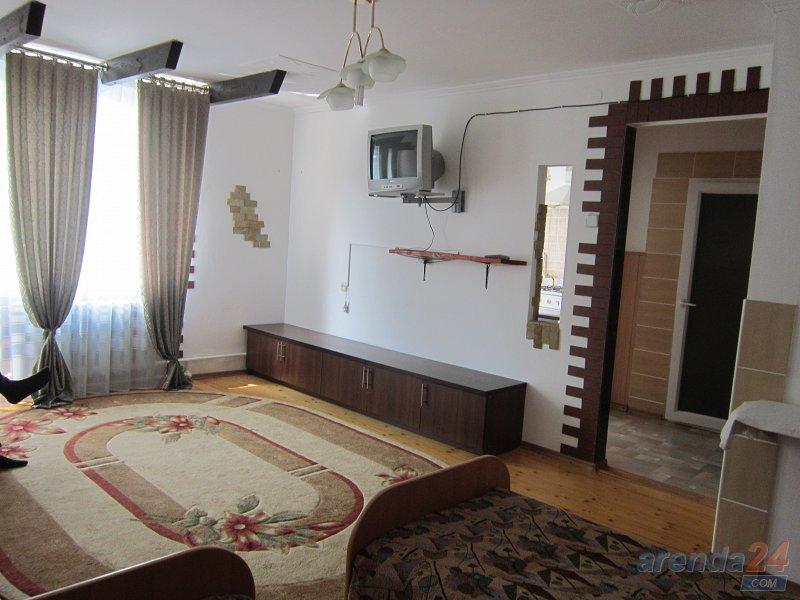 1-комнатная квартира посуточно, Моршин, ул. 50-летия УПА, 4 (6)