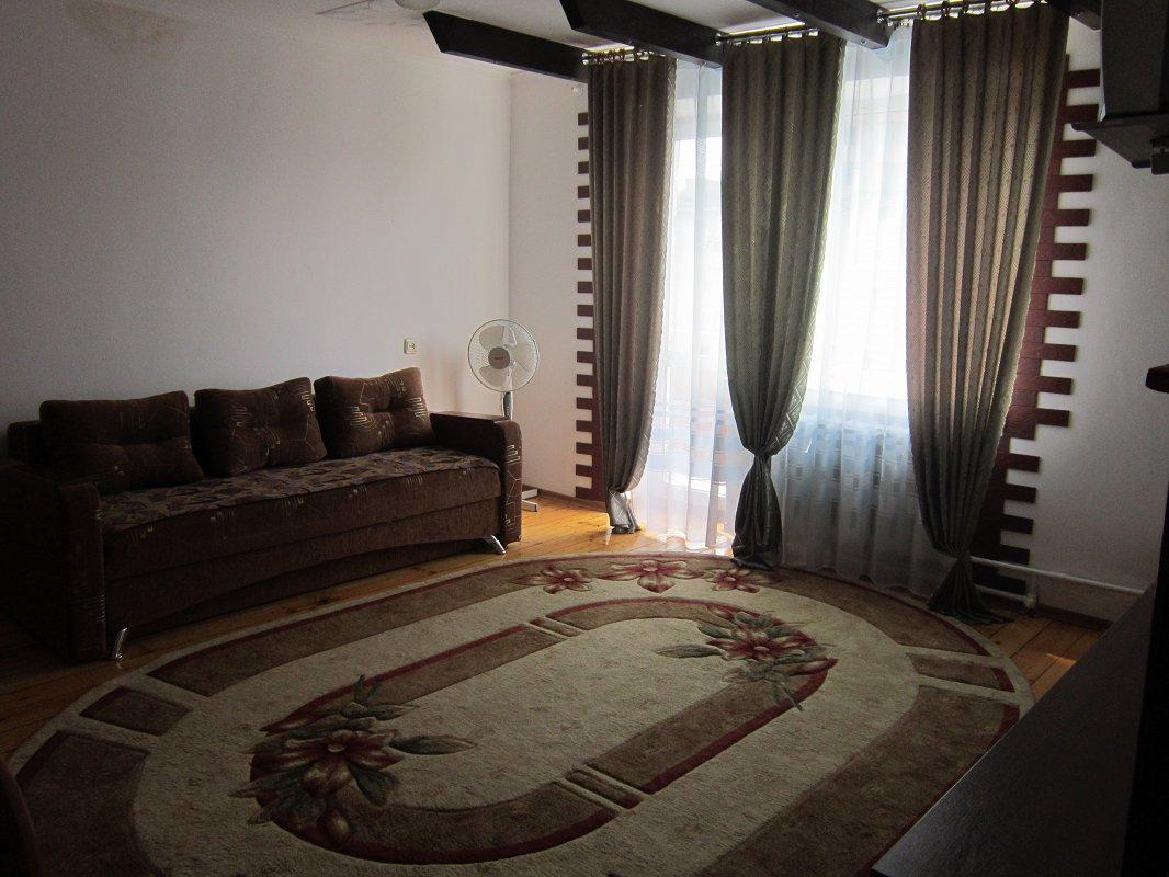 1-комнатная квартира посуточно, Моршин, ул. 50-летия УПА, 4 (9)