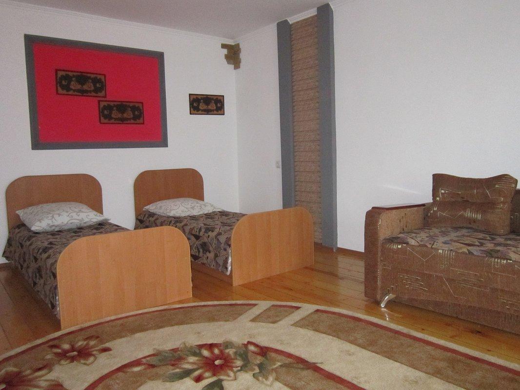 1-комнатная квартира посуточно, Моршин, ул. 50-летия УПА, 4 (10)