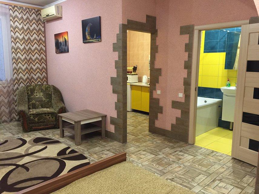 1-комнатная квартира посуточно, Кривой Рог, просп. Мира, 33 (2)