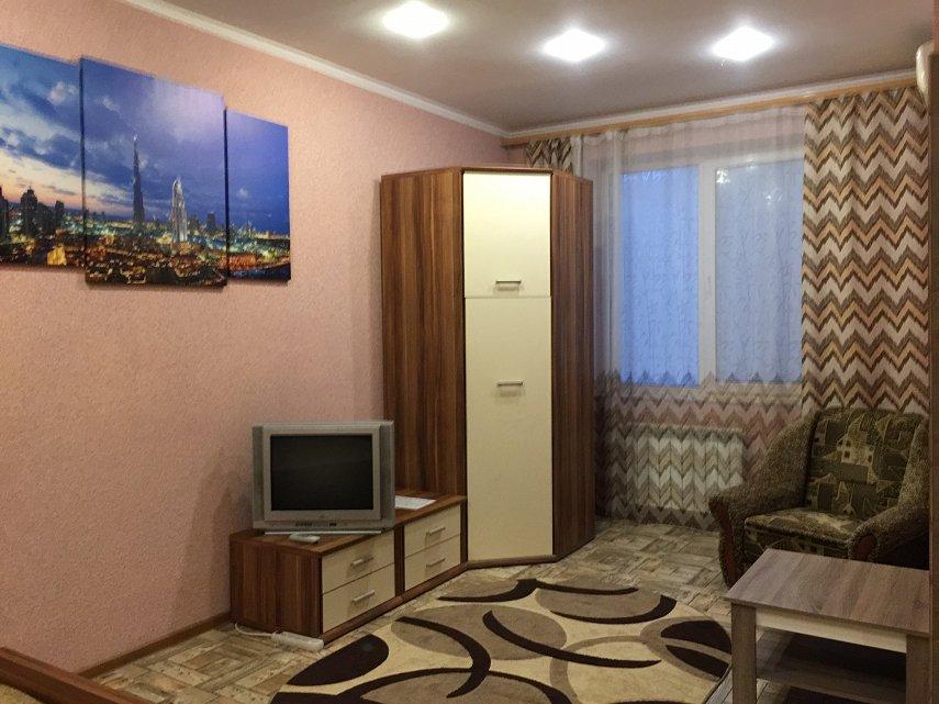 1-комнатная квартира посуточно, Кривой Рог, просп. Мира, 33 (3)