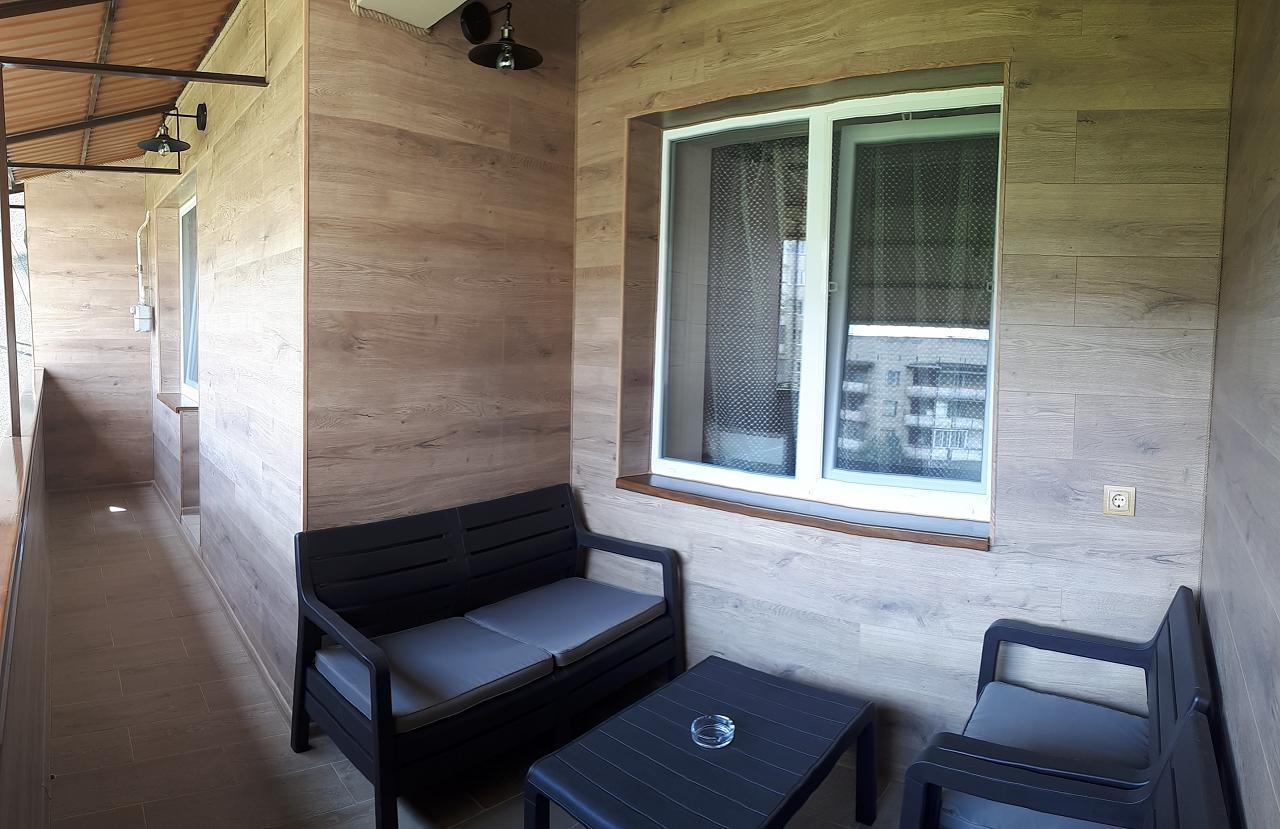 Сдается комфортабельная 2-комн. квартира с уютной лоджией около термального басейна (4)