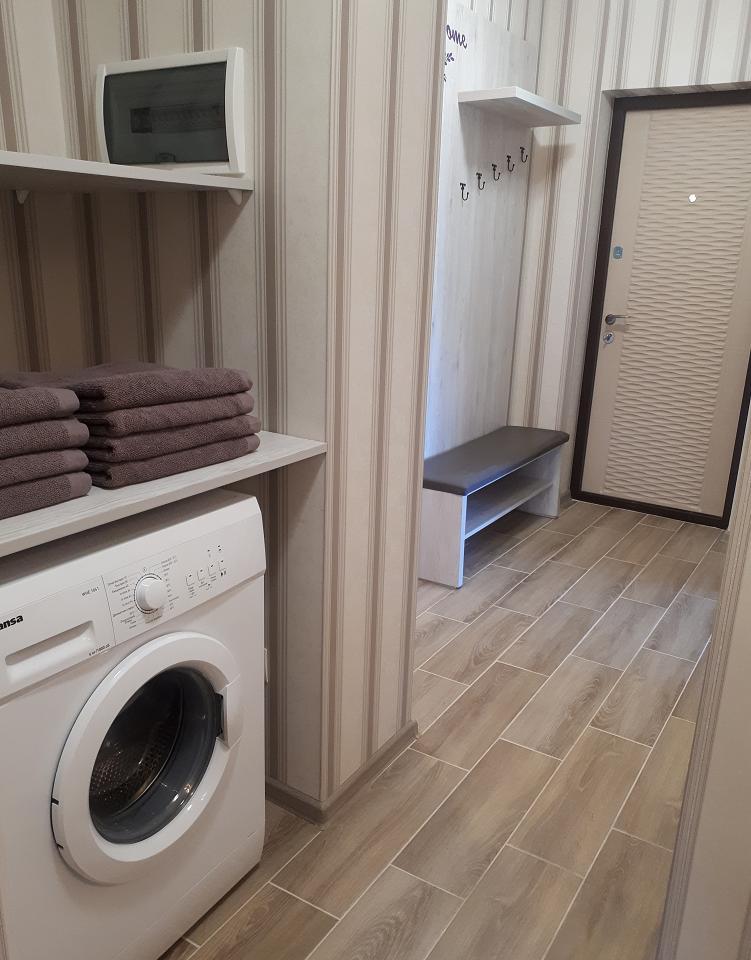 Сдается комфортабельная 2-комн. квартира с уютной лоджией около термального басейна (8)