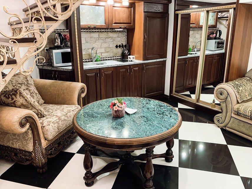 Апартаменты на Дерибасовской (Версаль) (3)
