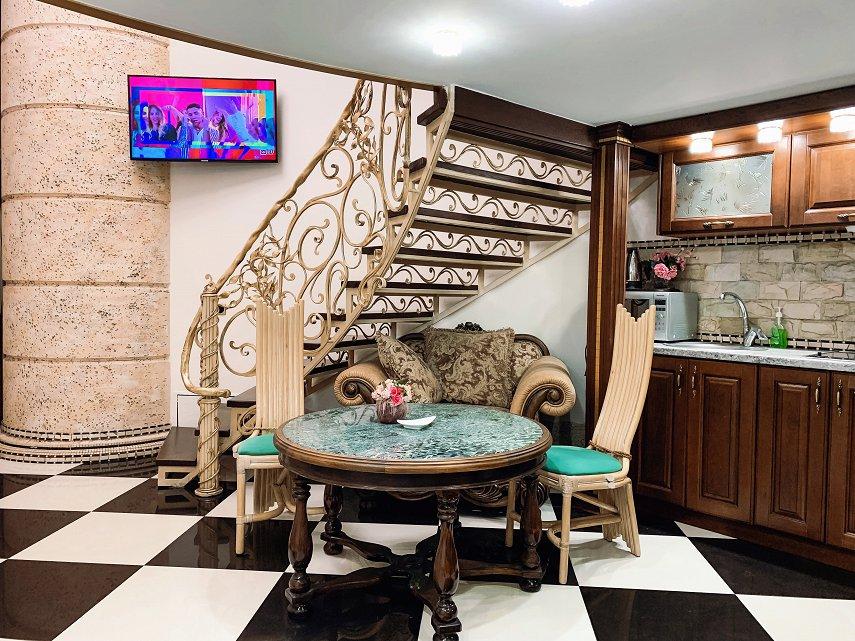 Апартаменты на Дерибасовской (Версаль) (4)