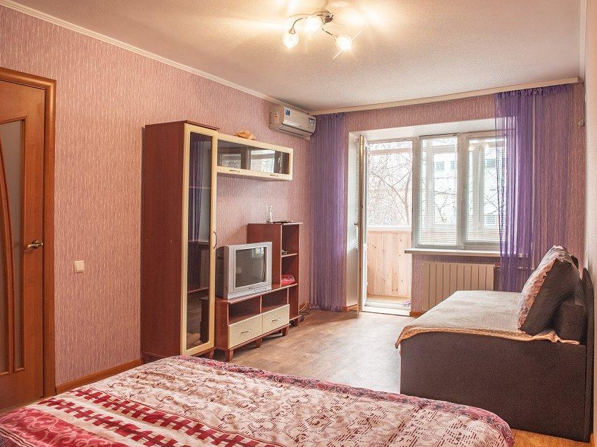 1-комнатная посуточно (м.Лукьяновская) (2)