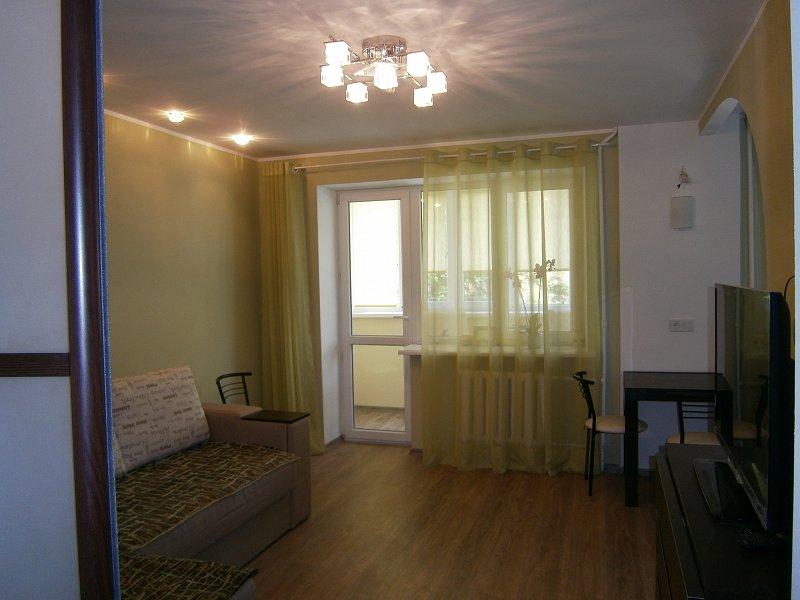 Сдам свою двух комнатную квартиру возле моря. (1)