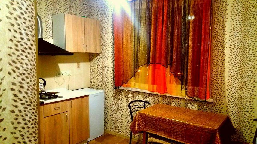 Сдается посуточно, почасово 1-комнатная квартира со всеми удобствами в 2 минутах от метро Холодная гора