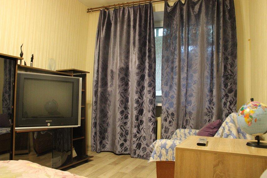 2-комнатная квартира посуточно, Днепр, ул. Дарницкая, 4