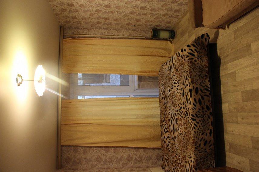 2-комнатная квартира посуточно, Днепр, ул. Дарницкая, 4 (2)
