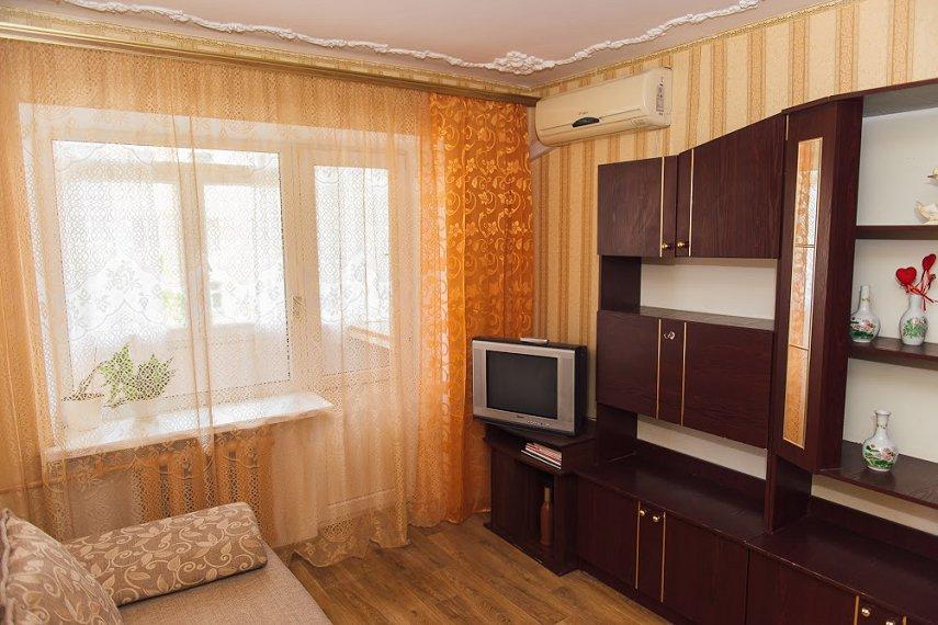 2-кімнатна квартира подобово, Одеса, вул. Черняховського, 16 (3)