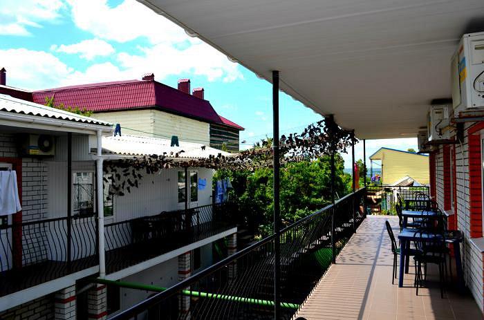 Міні-готель подобово, Бердянск, вул. Гостинна, 108 (3)