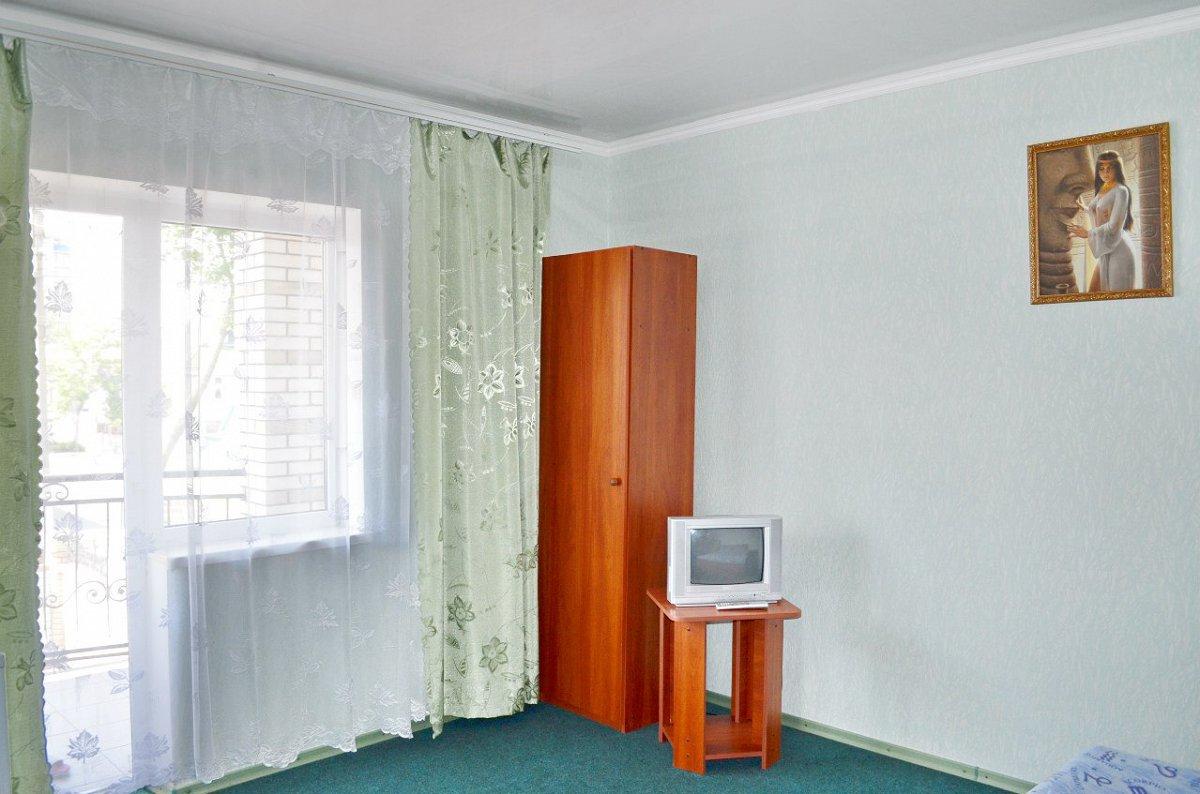 Міні-готель подобово, Бердянск, вул. Гостинна, 108 (4)