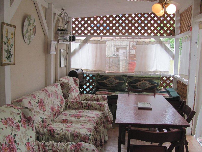 Сдам дом с садовым павильоном у моря в Алуште