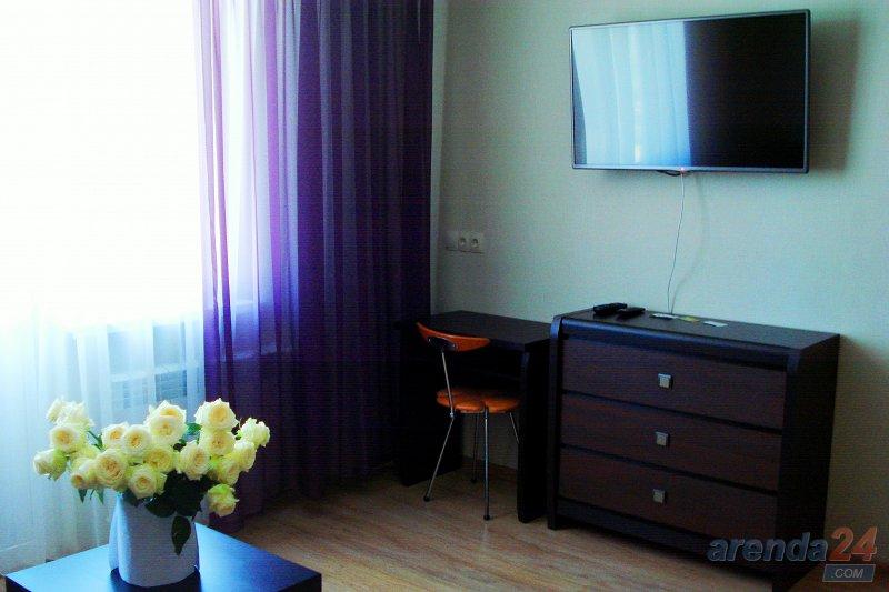 1-кімнатна квартира подобово, Севастополь, просп. Жовтневої революції, 20 (3)
