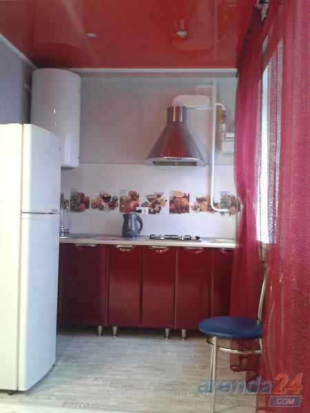1-кімнатна квартира подобово, Керч, вул. Кірова, 3 (2)