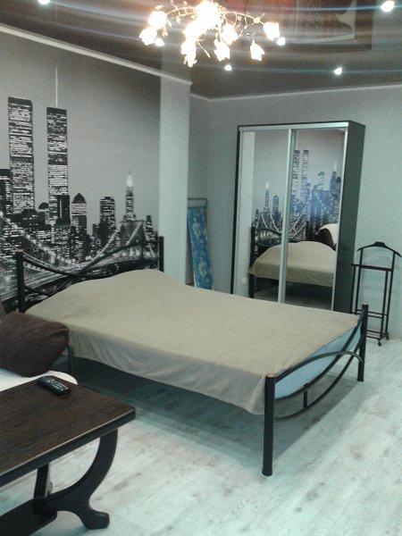 1-кімнатна квартира подобово, Керч, вул. Кірова, 3 (1)