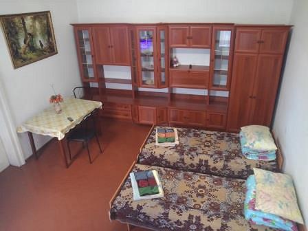2-кімнатна квартира подобово, Чернівці, вул. Кобилянська, 1