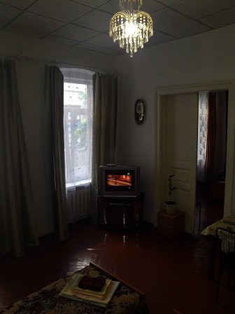 2-кімнатна квартира подобово, Чернівці, вул. Кобилянська, 1 (2)