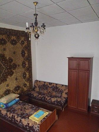 2-кімнатна квартира подобово, Чернівці, вул. Кобилянська, 1 (3)