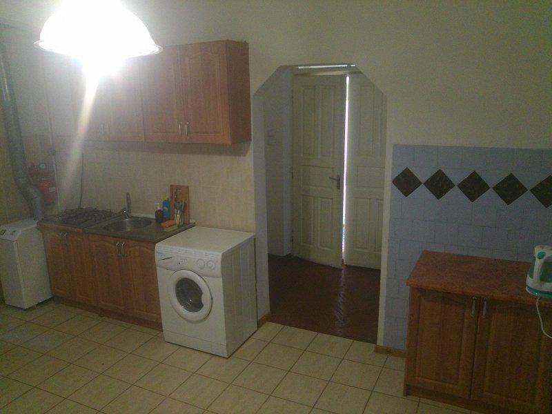 2-кімнатна квартира подобово, Чернівці, вул. Кобилянська, 1 (6)